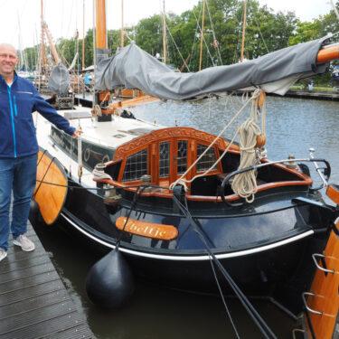 """Afbeelding van """"Sail Charter Friesland, huren en zeilen"""""""